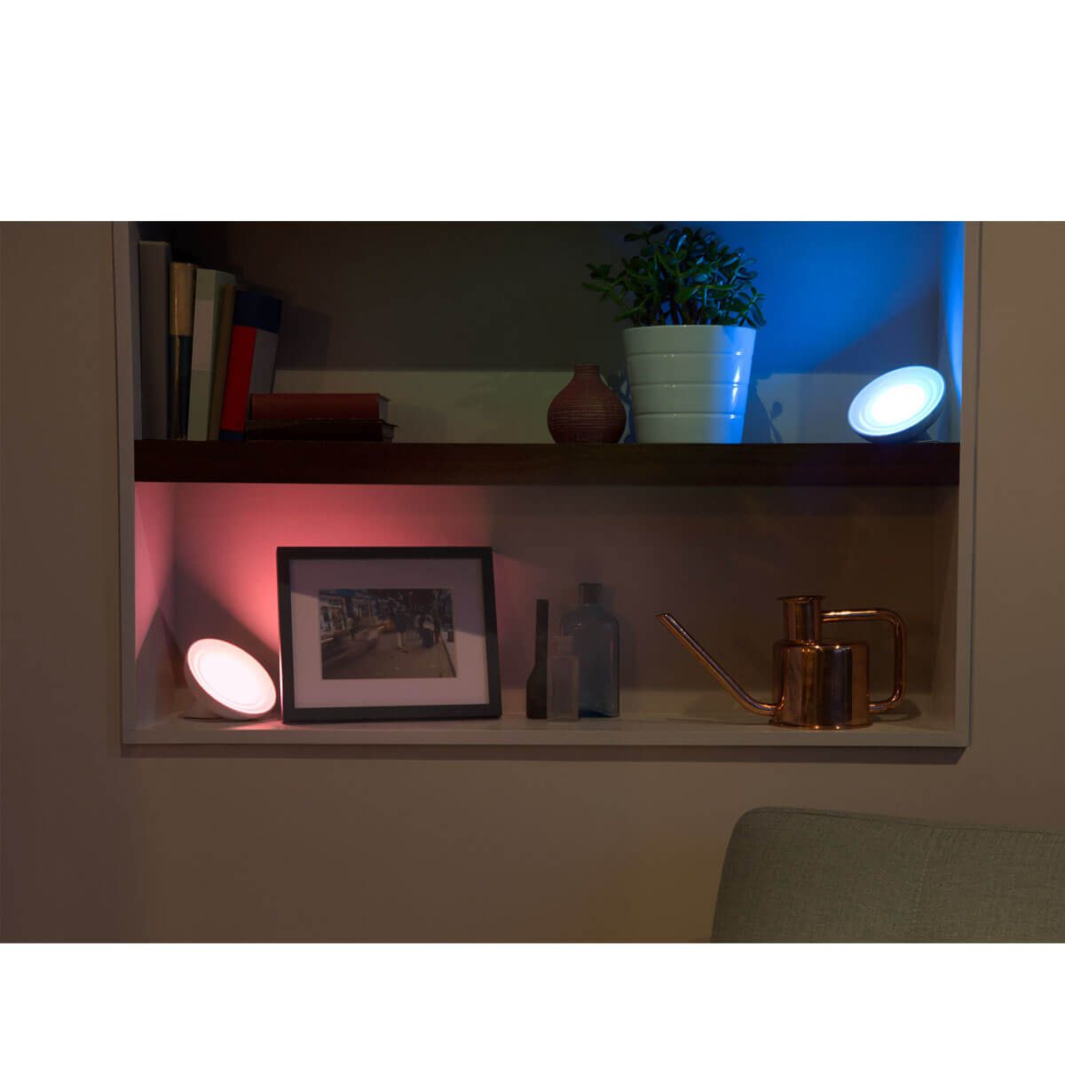 ... Philips Hue Bloom   A Stylish Lamp That Sits On Your Desk 5