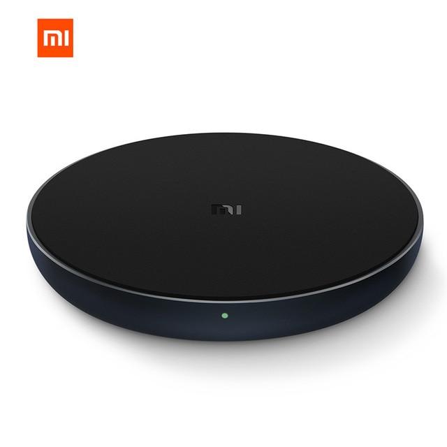 Xiaomi Mi Wireless Charger 10W с USB-C - поставка (пад) за безжично захранване с Fast Charge за QI съвместими устройства (черен)