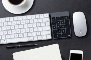 Satechi Slim Aluminum Wireless Keypad - безжична Bluetooth клавиатура с 18 бутона за MacBook (тъмносива) 8