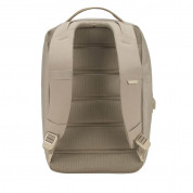 Incase City Compact Backpack - елегантна и стилна раница за MacBook Pro 15 и лаптопи до 15 инча (златист) 4