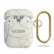 Guess Airpods Gold Chain Silicone Case - силиконов калъф с карабинер за Apple Airpods и Apple Airpods 2 (бял)